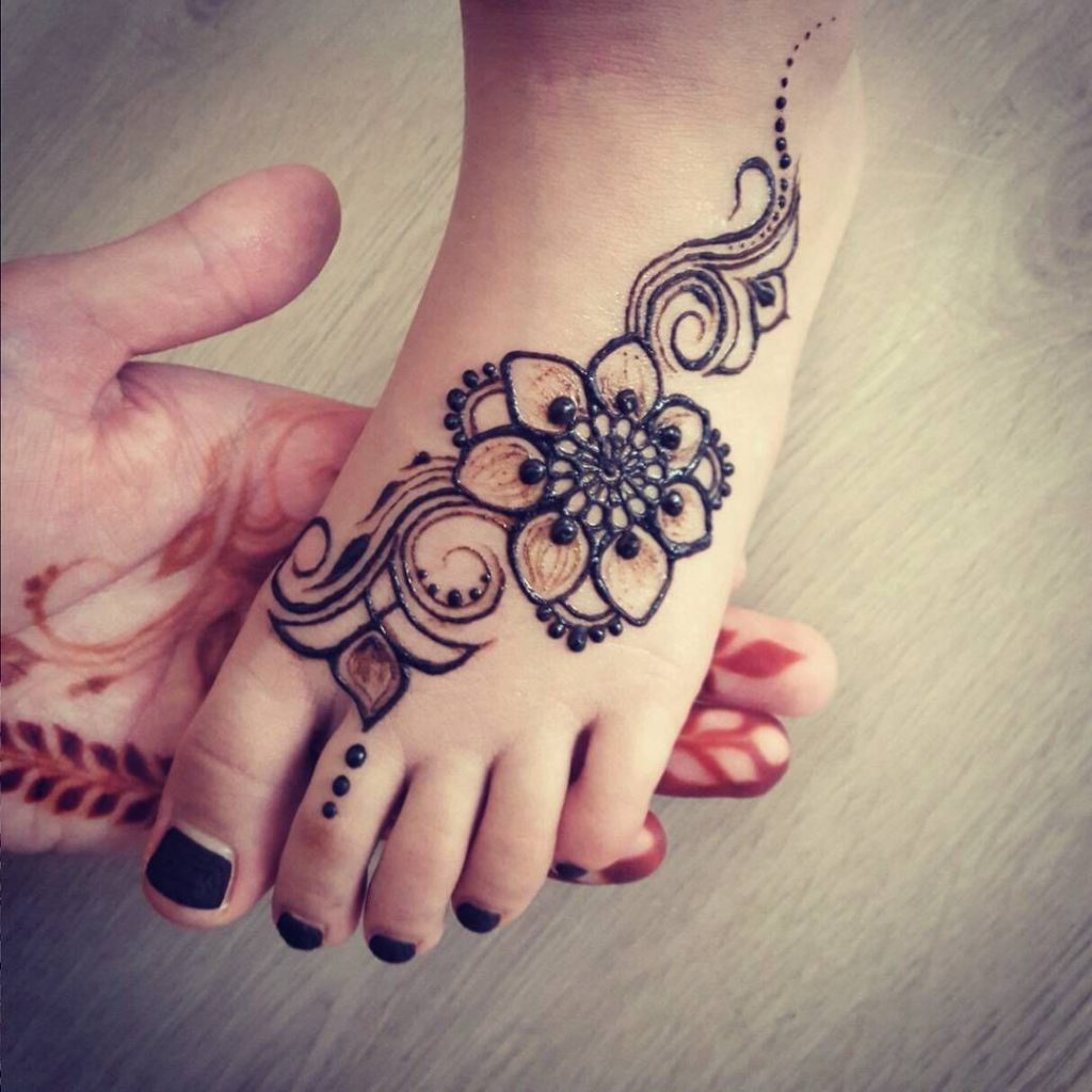 Top 30 Latest Mehndi Designs For Kids in 2019